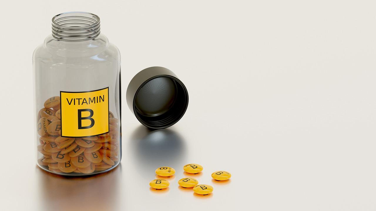 Vitamín B12 - potraviny, projevy nedostatku a správná činnost nervového systému